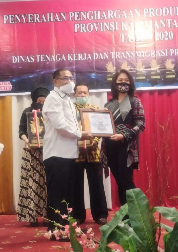 Kemnaker Serahkan Anugerah Siddharkarya kepada Enam Perusahaan di Pontianak