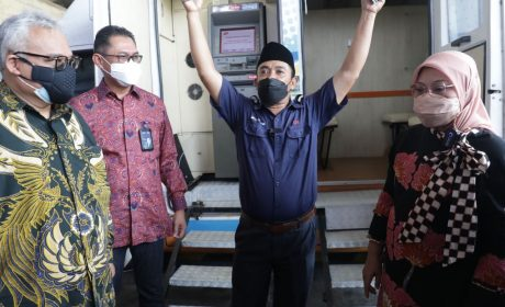 Kunjungi Beberapa Perusahaan di Banten,Menaker Pastikan Penyaluran BSU Lancar